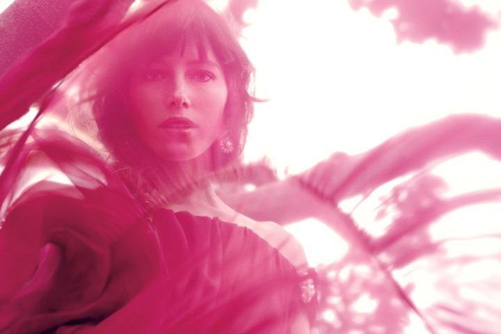 Jessica-Biel-by-Dusan-Reljin-Love-In-Bloom---US-InStyle-August-2012-3