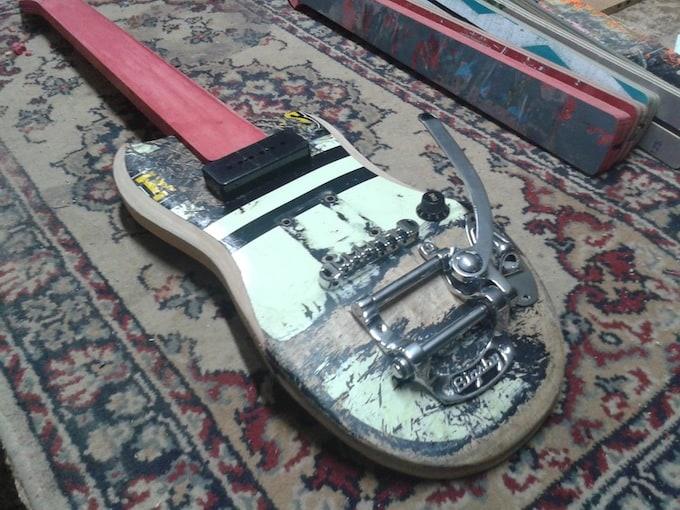 skate_guitar04