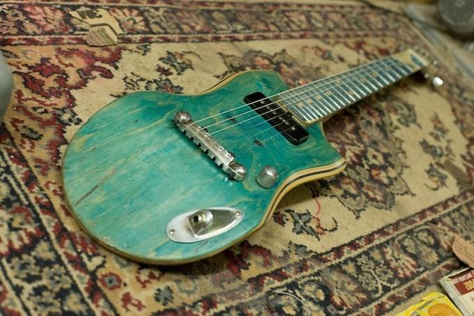 skate_guitar06