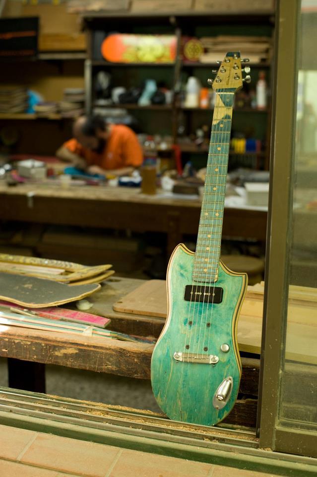 skate_guitar07