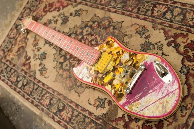 skate_guitar10