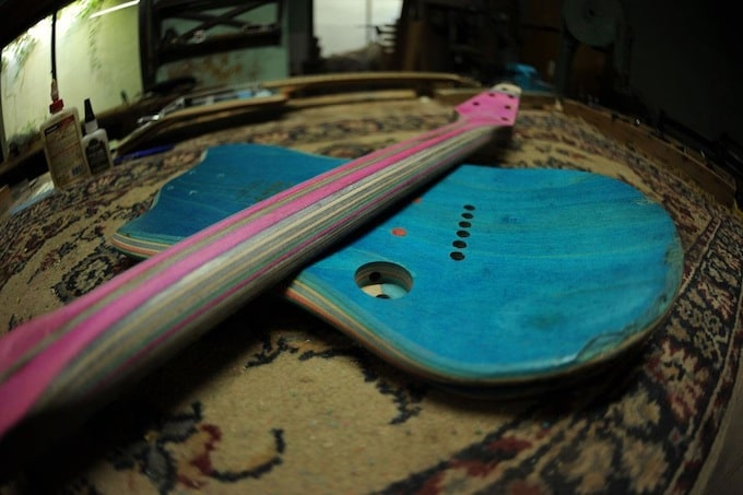 skate_guitar14