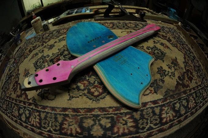 skate_guitar15
