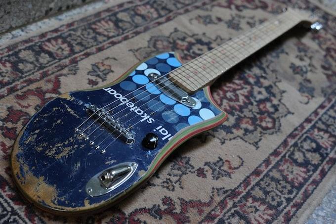 skate_guitar16