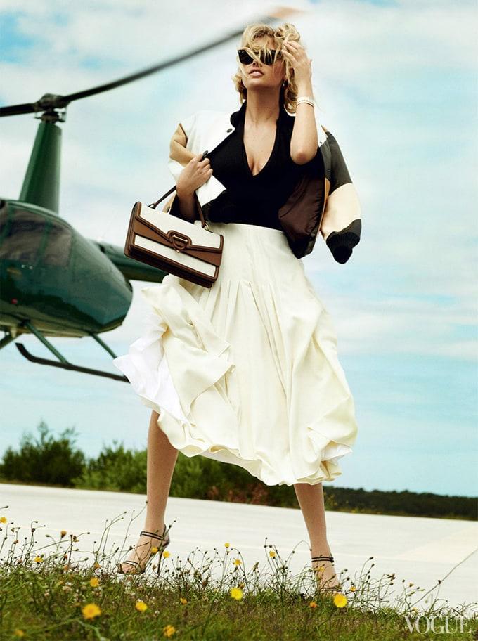 Kate-Upton-Vogue-US-Mario-Testino-03