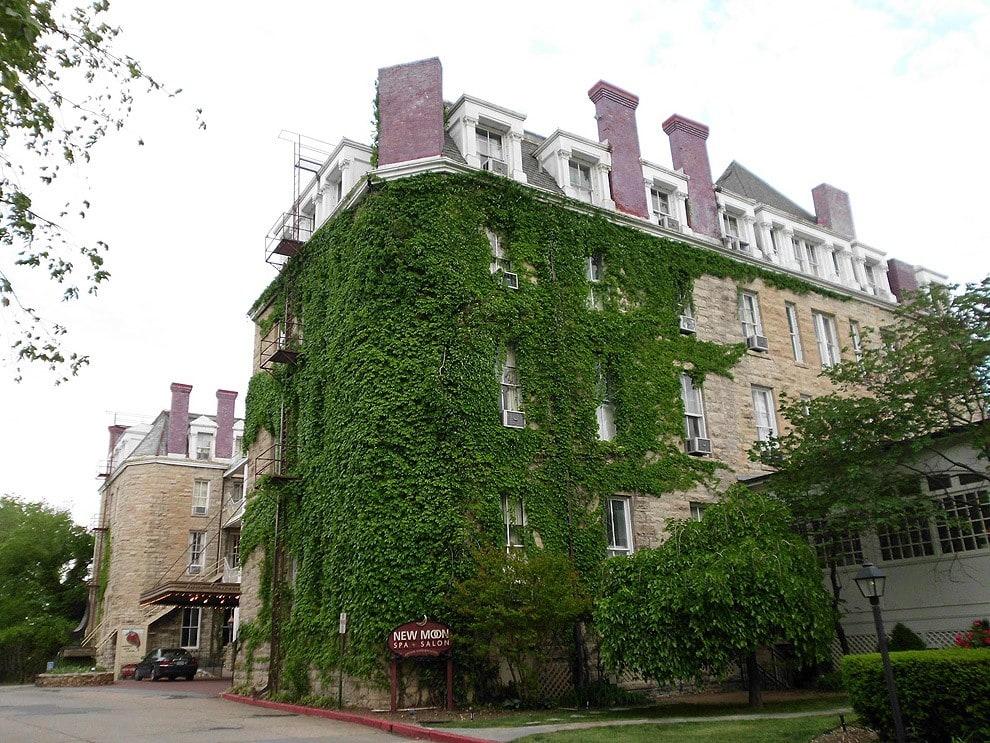 6. Crescent Hotel, Eureka Springs, Arkansas, United States
