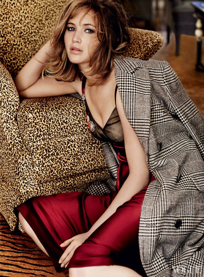 Jennifer-Lawrence-Vogue-US-Mario-Testino-04