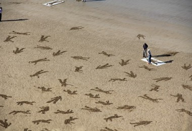 The Fallen 9000 - Fallen Soldiers Etched into the Sand on Commemorate Peace Day 1