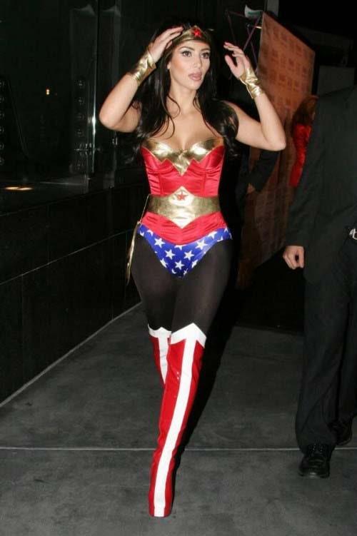 Kim_Kardashian_halloween-costume