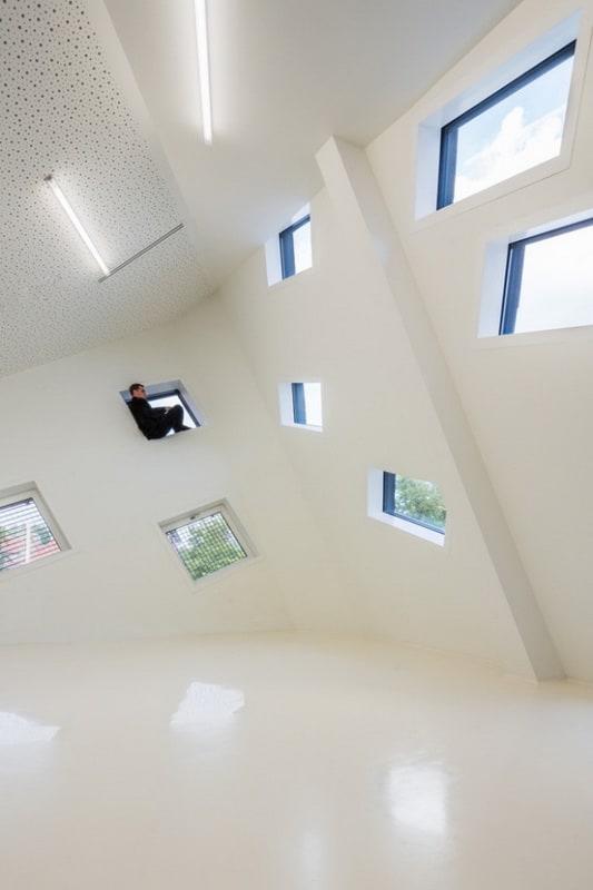 Mulhouse-Cultural-Center-640x971