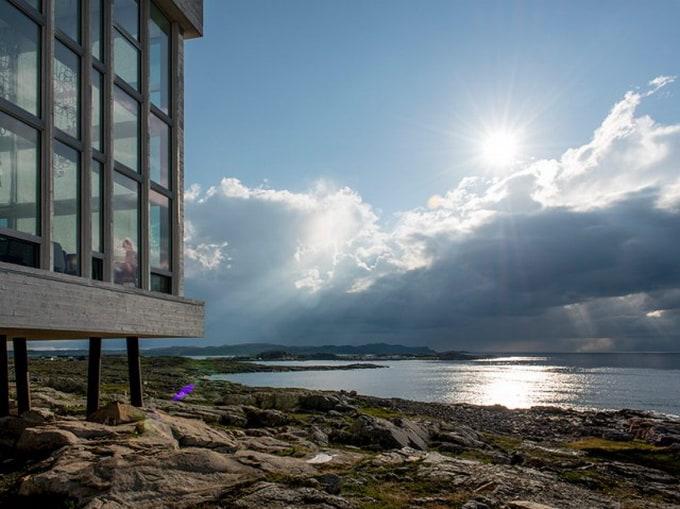 The-Fogo-Island-Hotel1-640_13