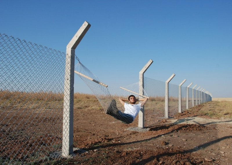 Border-Hammock-by-Murat-Gok-in-Istanbul-Turkey