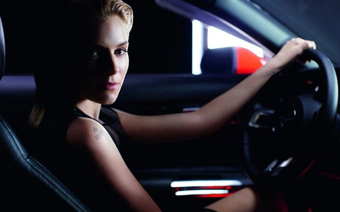 sienna-miller-ford-mustang1_jpg_pagespeed_ce_5RQOfXncgJ