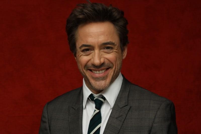 Robert-Downey-Jr-120109-Sherlock-Holmes-5