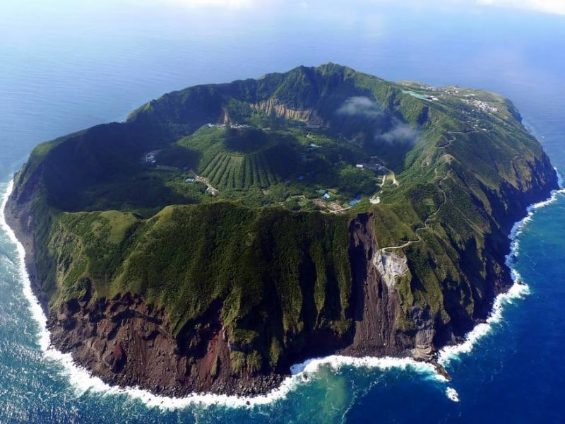 aogashima landscape Top 20 Earth Pictures found on StumbleUpon