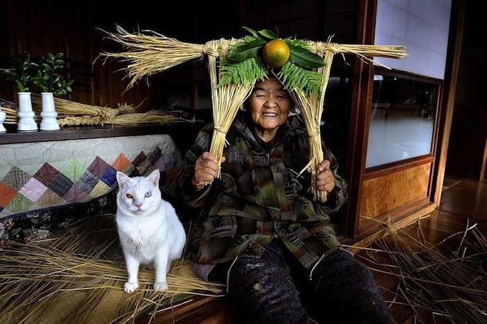 grandmother-and-cat-miyoko-ihara-fukumaru-15