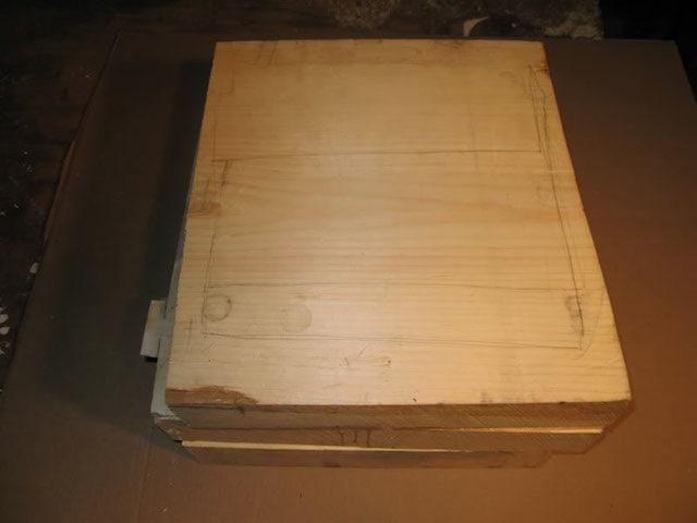 money_box_from_wood_block_03