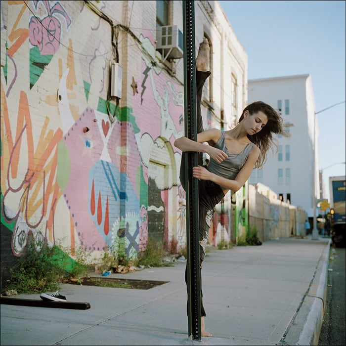 ballerinas_on_the_street_10