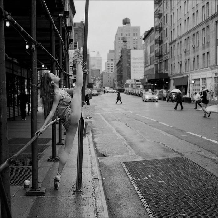 ballerinas_on_the_street_13