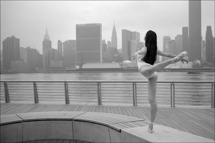 ballerinas_on_the_street_22