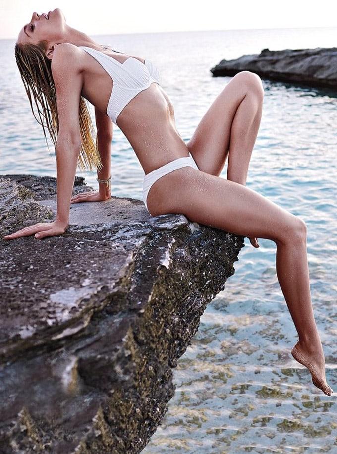 720x970xcandice-swanepoel-bikini-shoot16_jpg_pagespeed_ic_9BqTR7iVis