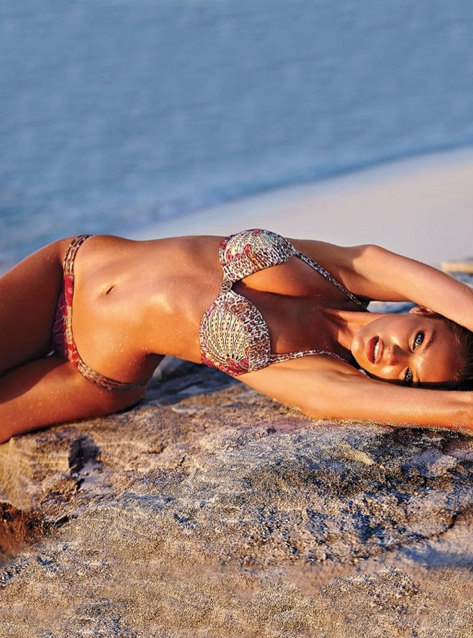 720x970xcandice-swanepoel-bikini-shoot18_jpg_pagespeed_ic_cD71h8Ark3
