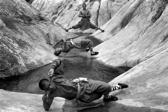 Shaolin-Monks-Training-Tomasz-Gudzowaty-0003
