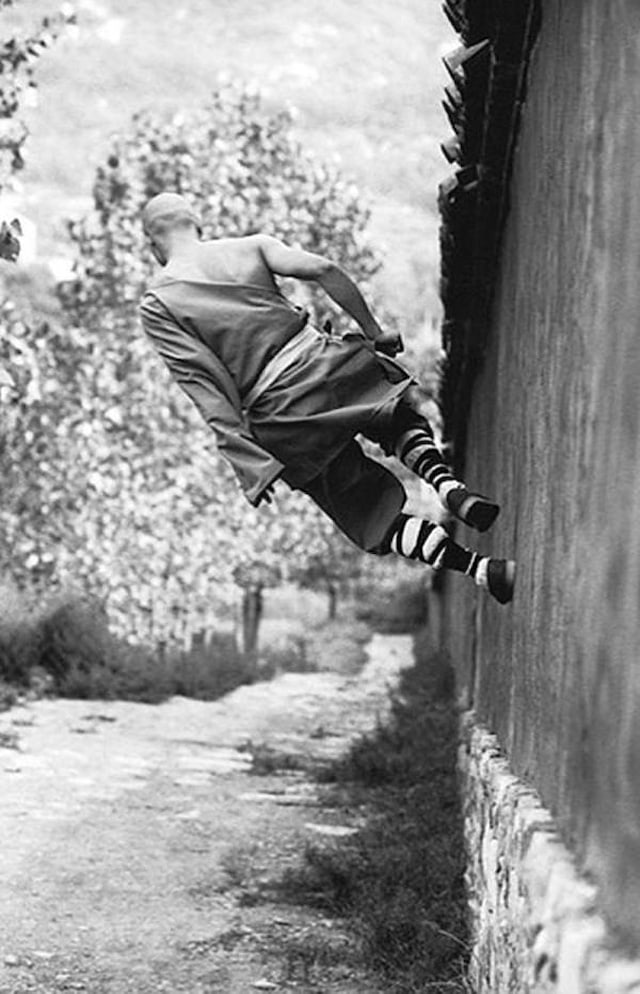 Shaolin-Monks-Training-Tomasz-Gudzowaty-0009