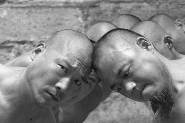 Shaolin-Monks-Training-Tomasz-Gudzowaty-0016