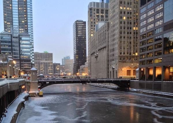 The+Chicago+river+is+completely+frozen+over.+-+The+30+Most+Amazing+Photos+Of+Frozen+Things+In+Honor+Of+The+Coldest+Morning+Of+The+21st+Century