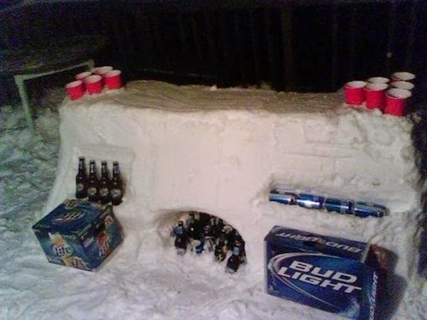When+in+frozen+land,+play+frozen+beer+pong.+-+The+30+Most+Amazing+Photos+Of+Frozen+Things+In+Honor+Of+The+Coldest+Morning+Of+The+21st+Century