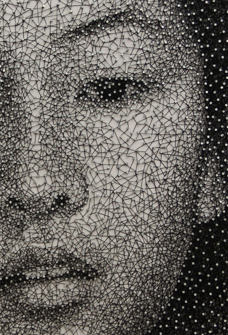 Portraits-Made-From-a-Single-Thread-Wrapped-Around-Thousands-of-Nails-By-Kumi-Yamashita-Rungmasti.com-03