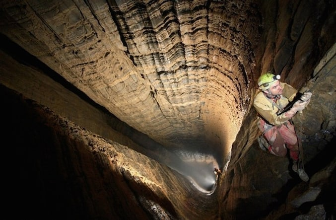 the-Deepest-Cave-in-the-World-8