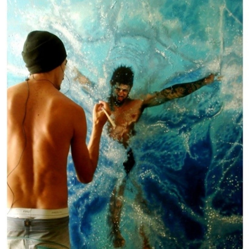 Hyperrealistic_Oil_Paintings_Of_People_Swimming_by_Gustavo_Silva_Nunez_2014_05
