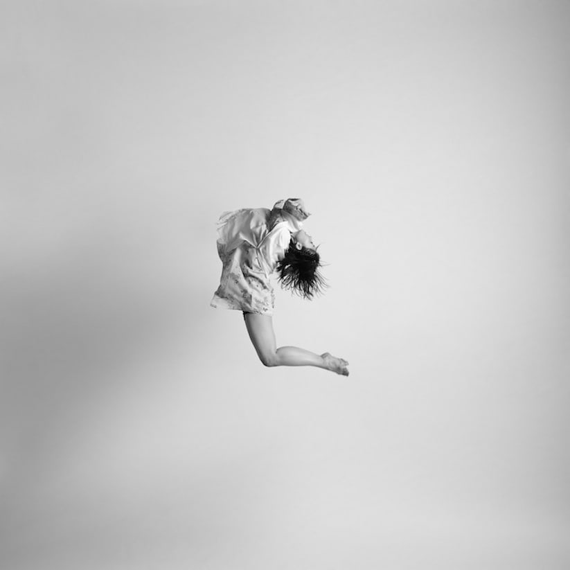Energetic_Black_And_White_Portraits_Of_People_Captured_In_Mid_Jump_2014_03