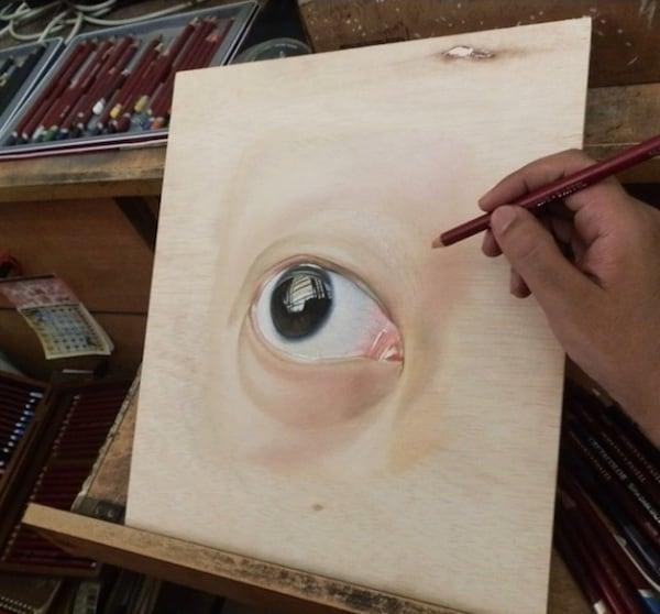 Incredible_Hyperrealistic_Drawings_Created_on_Wood_by_Artist_Ivan_Hoo_2014_05
