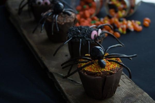 Tarantula-Cupcakes-from-Redpath-Sugar