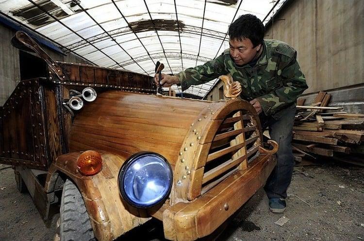 An_Electronic_Wooden_Car_Homemade_by_Carpenter_Liu_Fulong_in_China_2014_02
