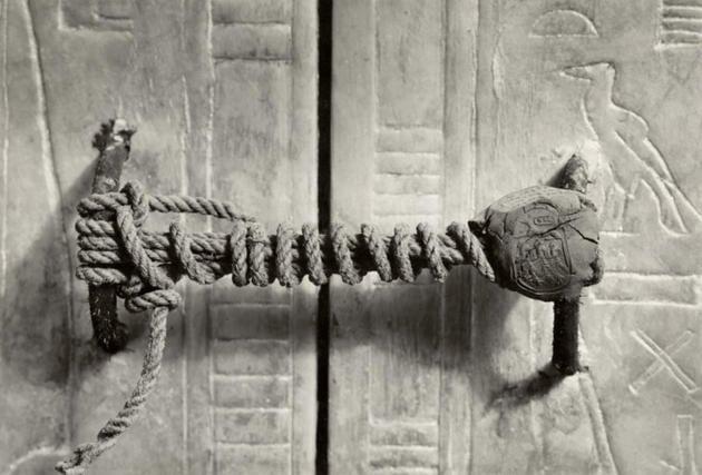 The unbroken seal on Tutankhamun's tomb, 1922 (3,245 years untouched)