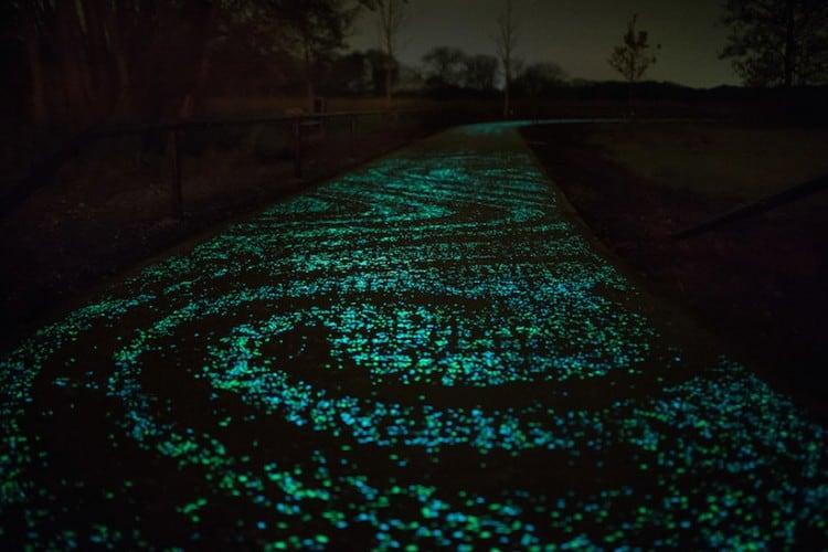 glow_in_dark_bikepath_van_gogh_03