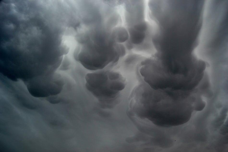 strange_clouds_21