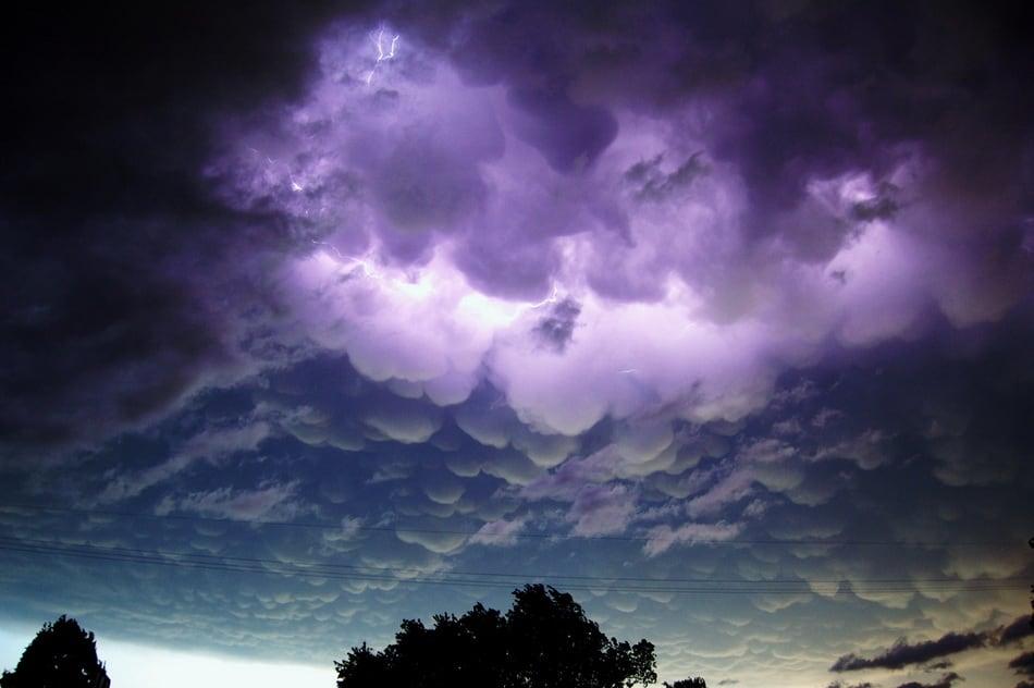 strange_clouds_23