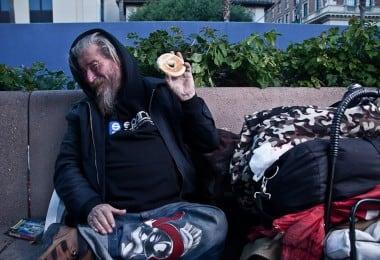 Heartbreaking Portraits of Homeless People in The Bagel Project by Justin Bettman 10