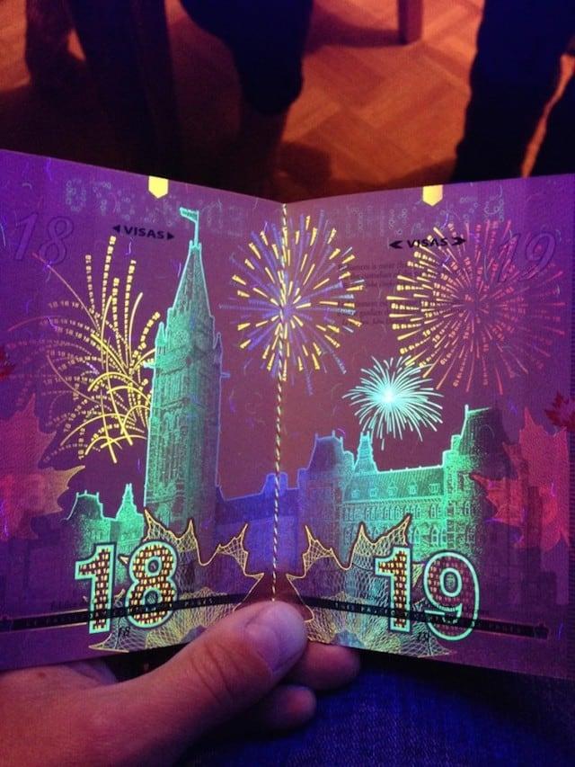 Canadian-Passports-Under-Blacklight_04
