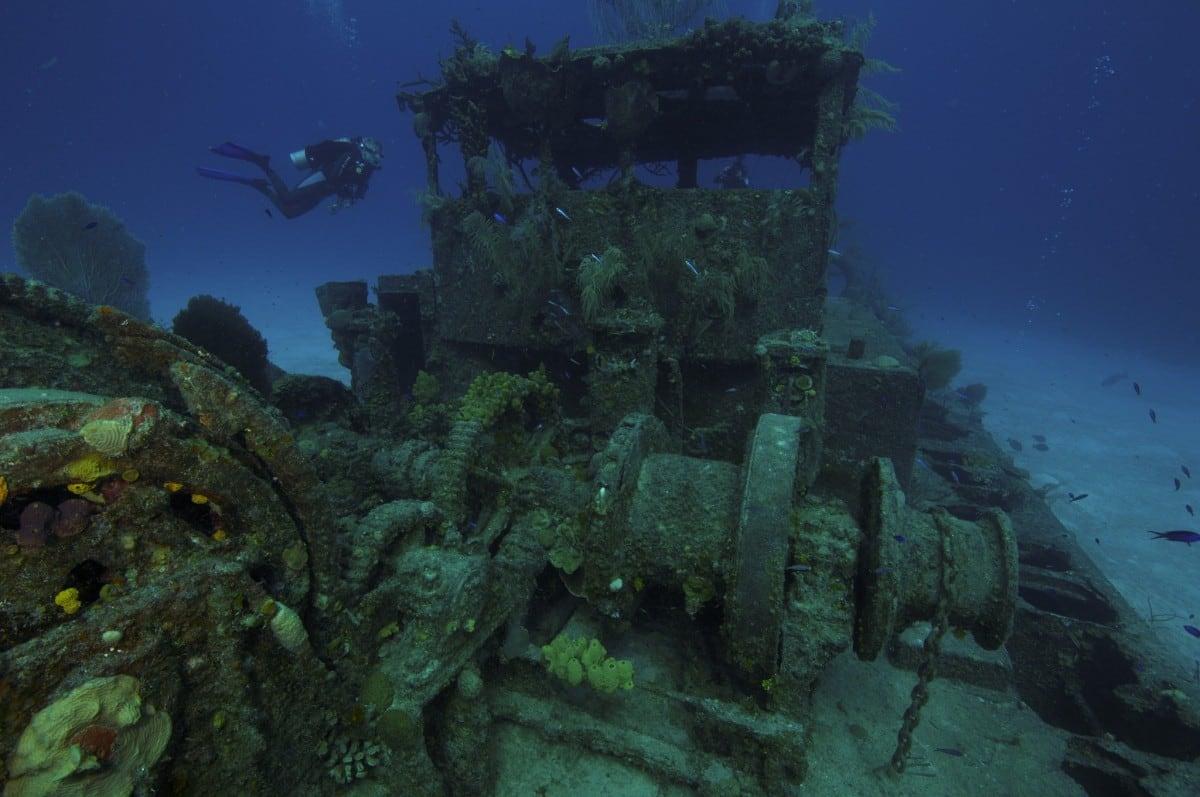 Scuba diving Cayman Islands