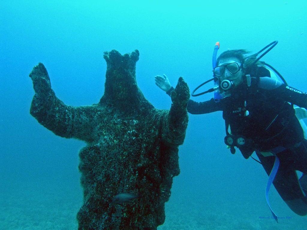 scuba diving Ecuador