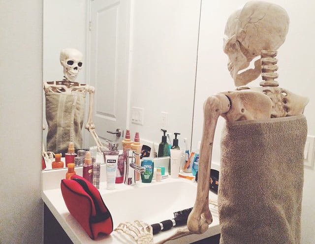 skeleton-daily-life-photography-1