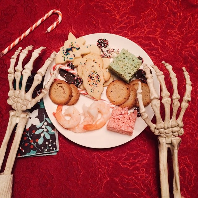 skeleton-daily-life-photography-4