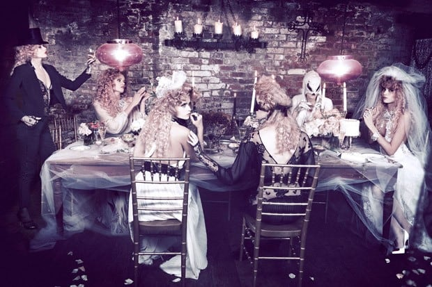 Abbey-Lee-Ellen-von-Unwerth-Vs-Magazine-02-620x413