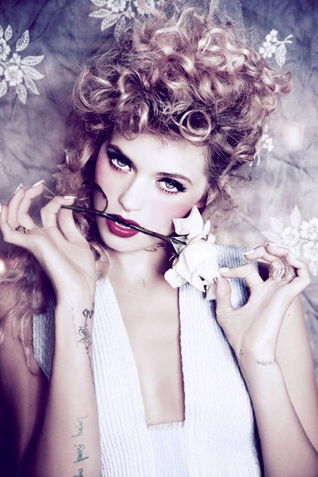 Abbey-Lee-Ellen-von-Unwerth-Vs-Magazine-09-620x930